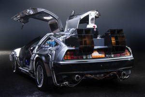 """""""Een snelle auto: Ja; Rijden door de tijd: Neen"""", stelt Tony Verhelle van de Autogids"""