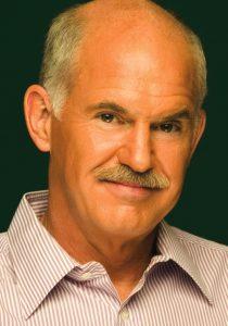 Papandreou (r.): 'Soms moet je blindelings op het gezond verstand van het volk vertrouwen.' (Foto: PASOK)