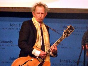 De Britse gitarist vierde recent nog zijn verjaardag (Foto: Michael Borkson CC BY 2.0)