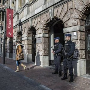 BREAKING: Bart De Wever preventief opgepakt