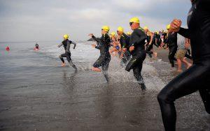 """""""Atleten willen nu eenmaal graag winnen"""" (U.S. Navy photo by Mass Communication Specialist 3rd Class Daniel A. Barker (RELEASED)"""