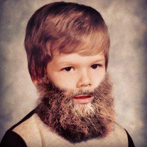 Wanneer een peuter zijn baard laat staan, kan dat een signaal zijn dat ie aan het radicaliseren is. (Foto: Tumblr)