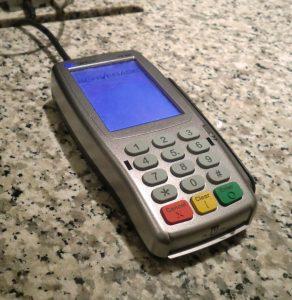 Michelle Martin schreef 40 euro over aan Jean Lambrecks met de nieuwe Bancontact/Mister Cash-app.