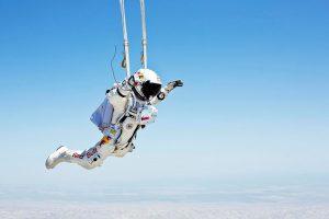 Baumgartner bereidt zich minutieus voor op de meest complexe sprong uit zijn carrière