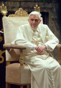 'Ego vos absolvo.' Benedictus XVI spreekt de joden vrij.