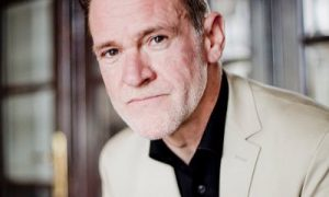 VRT-hoofdredacteur Bjorn Soenens wordt nieuwe woordvoerder narcistenvereniging