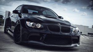 Bestuurders van een BMW als deze krijgen vaak verwijten naar het hoofd geslingerd (Beeld YouTube)