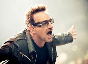 Wereldverbeteraar Bono heeft de humanitaire slogan 'make poverty history' als geen ander in de praktijk omgezet. (Foto: Peter Neill, CC By 2.0)