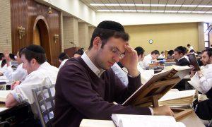 Ultra-orthodoxe joden met gevoel voor ironie klagen over regeldrift Vlaamse Gemeenschap