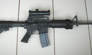 Amerikaanse wapenfabrikanten betreuren overlijden van trouwe klant