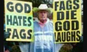 Homohater Fred Phelps veroordeeld tot eeuwigheid met gloeiende pook in endeldarm