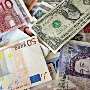 Man (57) ontsnapt aan financiële ramp; panikeert niet en verliest spaargeld langzaam door inflatie