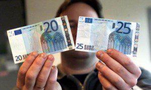 Van Overtveldt: 'Spaarders mogen geld dat ze verliezen door te sparen bijdrukken'
