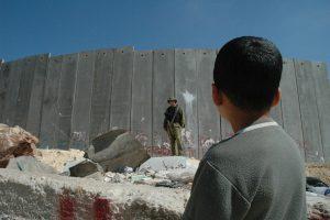 De Israëlische defensie is grote fan van het muurtje. (Foto: Justin McIntosh, CC by 2.0)