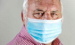 Verdwenen mondmaskers opgestuurd naar politici en opiniemakers om eindelijk mond te houden
