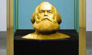Partij Van De Arbeid investeert partijdotatie in grote, gouden buste Karl Marx