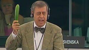 """Claude Beerens waarschuwt: """"Komkommers kweken in een bananenrepubliek is sowieso risicovol."""""""