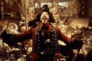 Voorzitter Long John Silver poseert voor de partijkas.