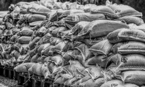 Anti-zaxxers weigeren zandzakken tegen wateroverlast
