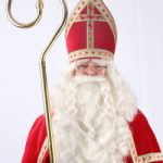 Brave kindjes veroordelen stout kindje dat niet in Sinterklaas gelooft ter dood
