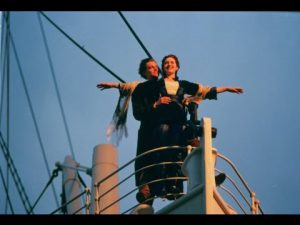 Vertoningen van 'Titanic' moeten de gelukszoekers ontmoedigen de oversteek te wagen. (Foto: Youtube)