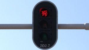 Op termijn wil minister Grouwels alle Brusselse kruispunten uitrusten met dit type verkeerslicht.