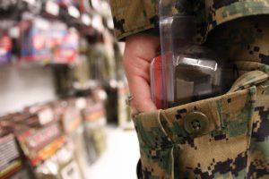Ook winkeldieven hebben het recht om een blanco strafblad te kopen. (foto: Wikimedia commons)